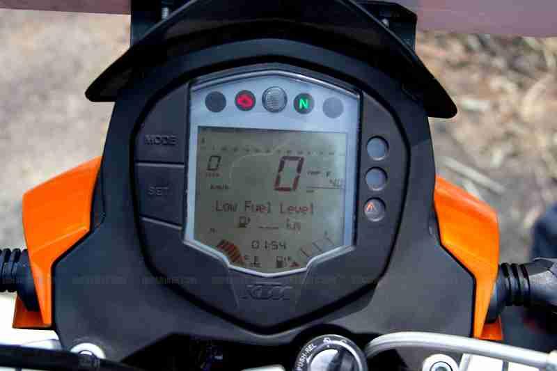 KTM Duke 200 review 30