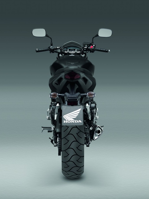 Honda Hornet six hundred 2012 07