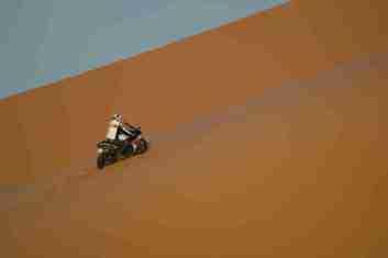 stephane peterhansel yamaha r1 desert 05