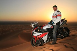 stephane peterhansel yamaha r1 desert 06
