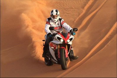 stephane peterhansel yamaha r1 desert 10