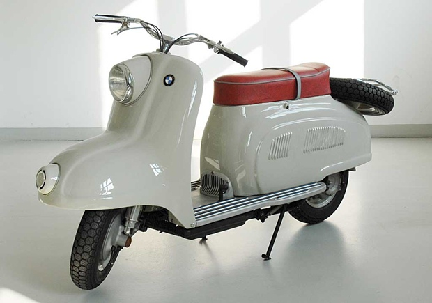 The R10 scooter prototype from BMW
