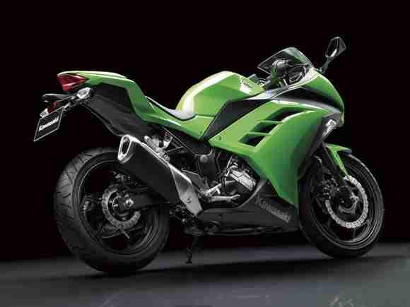 Kawasaki Ninja 250R 2013 07