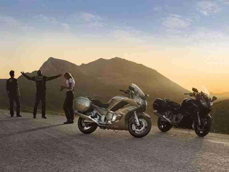 Yamaha FJR1300 2013 - 01