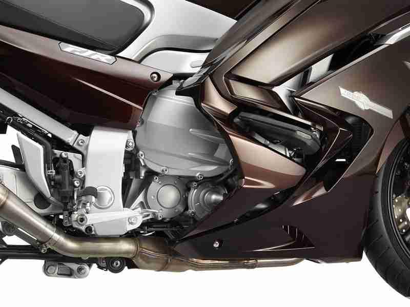 Yamaha FJR1300 2013 - 20
