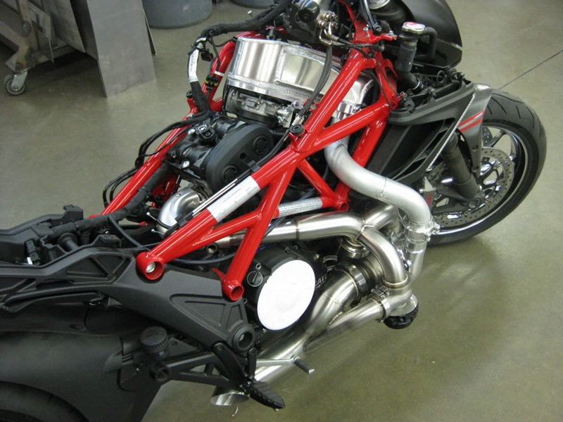 Turbo charged Ducati Diavel - 03