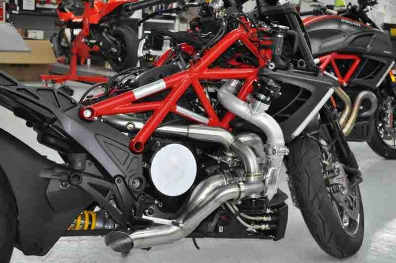Turbo charged Ducati Diavel - 04