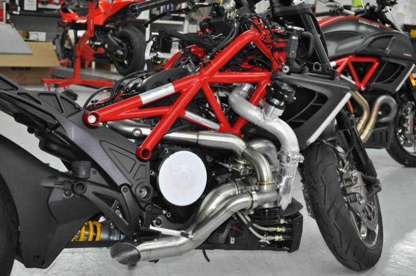 Turbo charged Ducati Diavel - 04