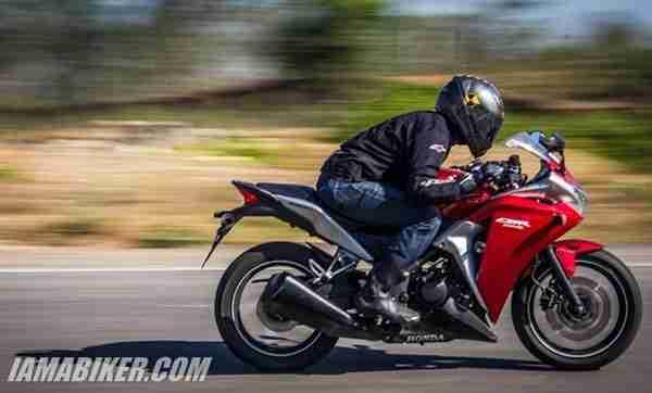 Honda CBR250R engine and performance