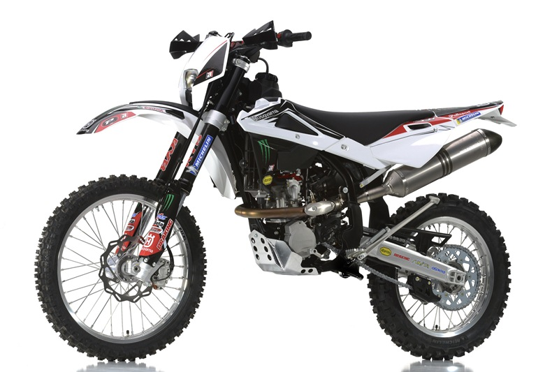 Husqvarna Racing Kit for Enduro and MotoCross models - 09