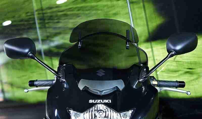 Suzuki GSX650FT - 1