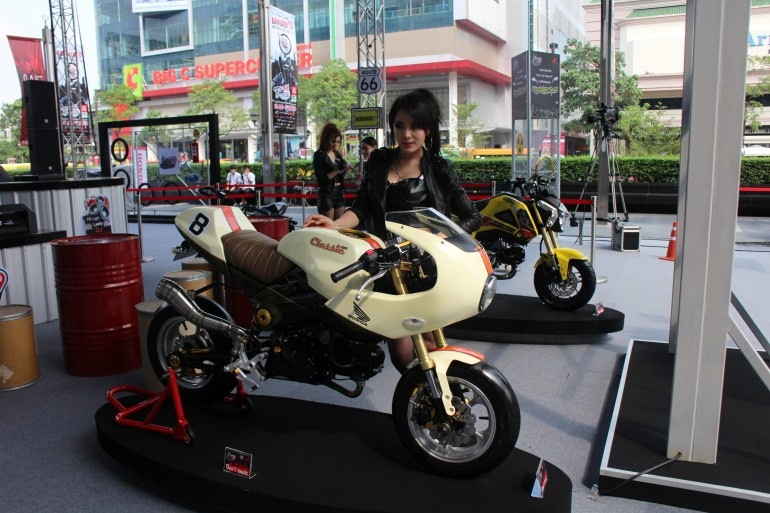 2013 Bangkok Motorbike Festival photographs - 31