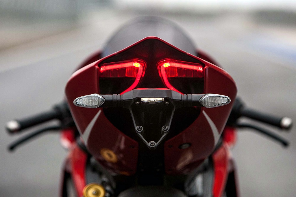 ducati 1199 panigale r photographs - 08