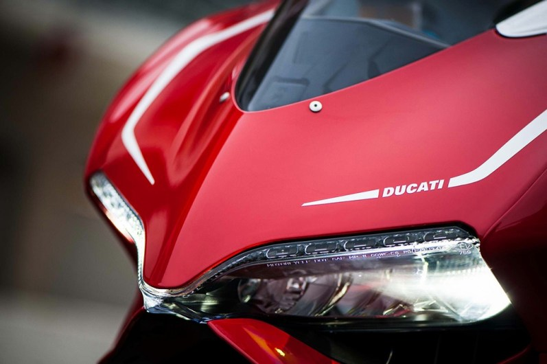 ducati 1199 panigale r photographs - 09