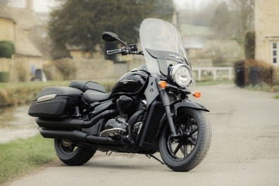 2013 Suzuki Intruder C1500T and C800C UK - 01
