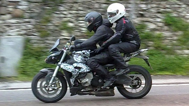 Naked BMW S1000RR spotted again
