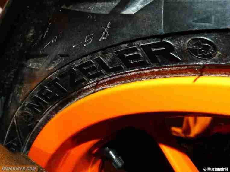 KTM Duke 390 tyres metzeler