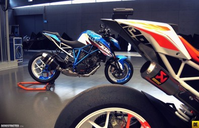 2013 KTM 1290 Super Duke R - 02