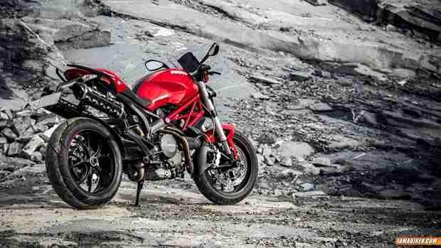 Ducati Monster 796 - 02