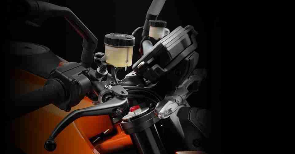 KTM 1290 Super Duke R - 06