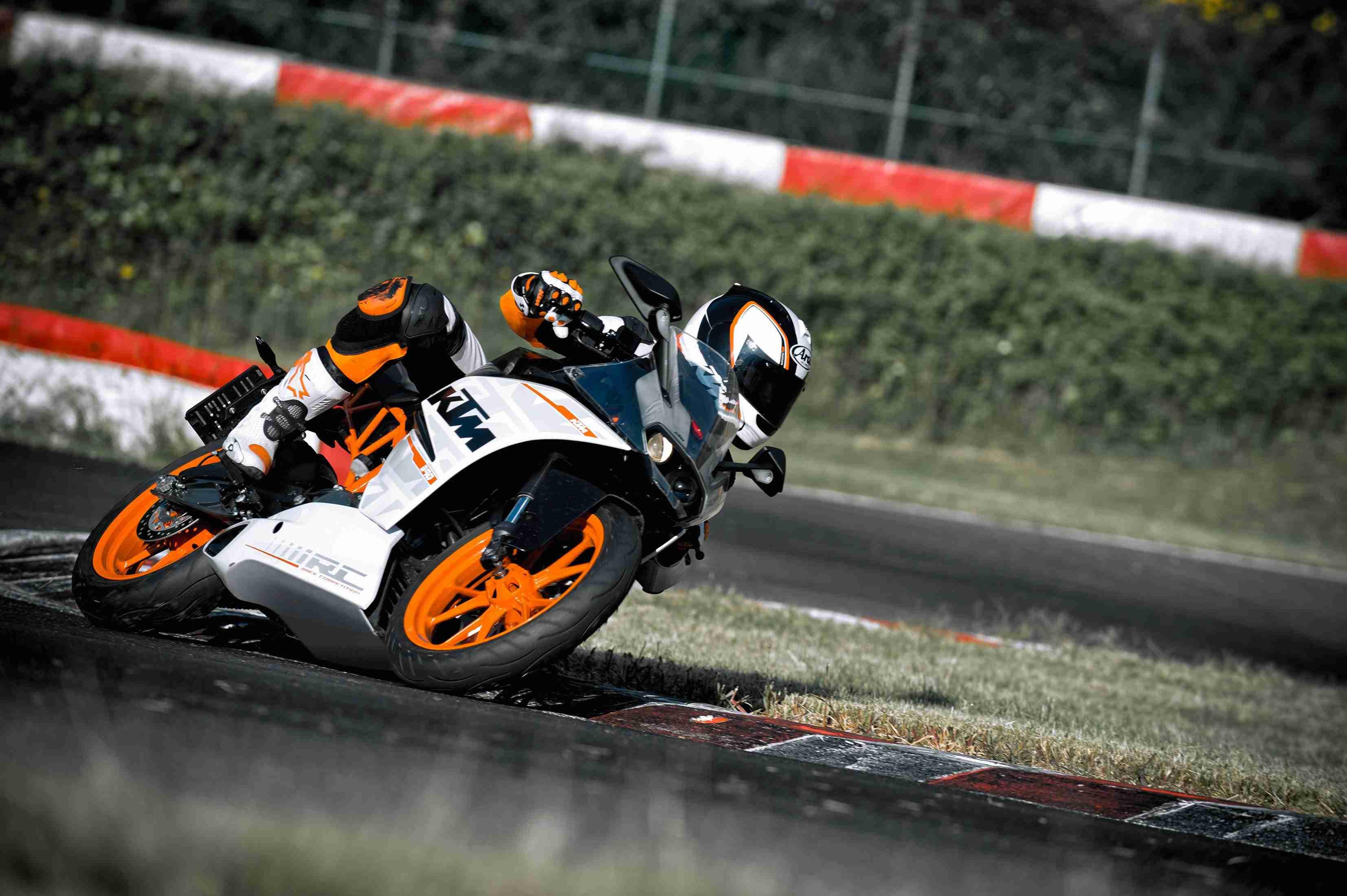2014 KTM RC390 India - 10