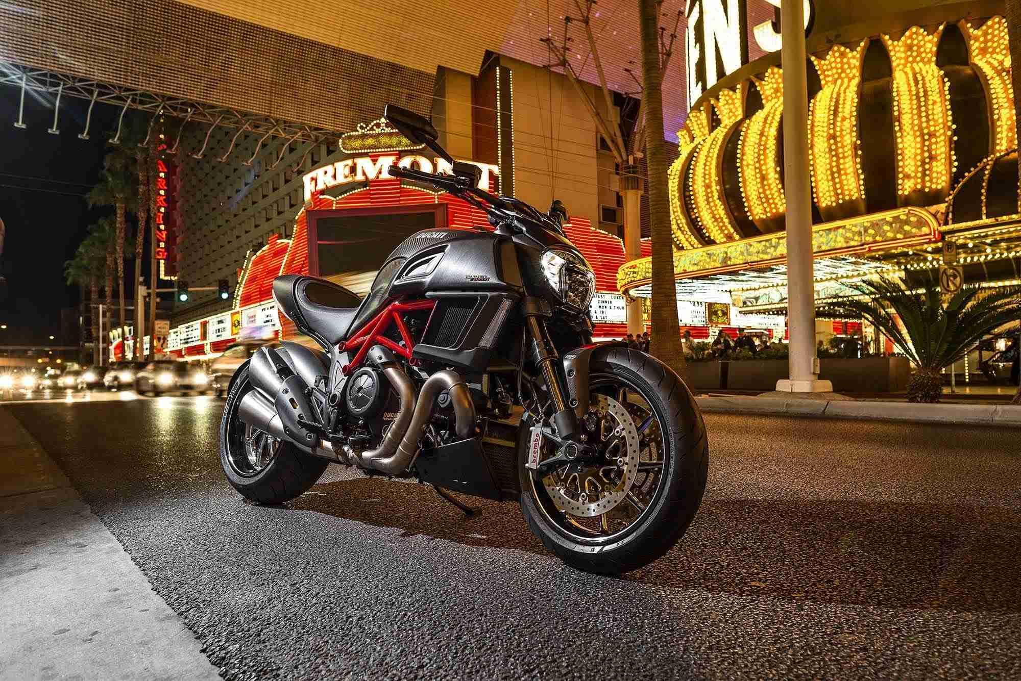 2015 Ducati Diavel - 15
