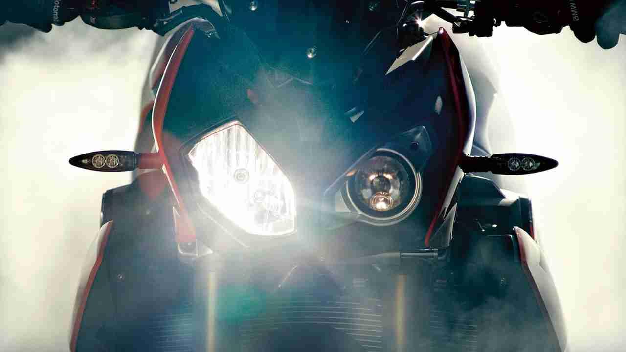 2014 BMW S1000R India