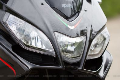 Aprilia SRV 850 headlight close up