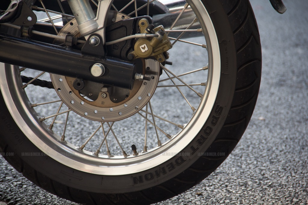 Continental GT - back disc / tyre close up