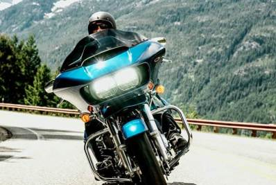2015 Harley Davidson Road Glide - headlights