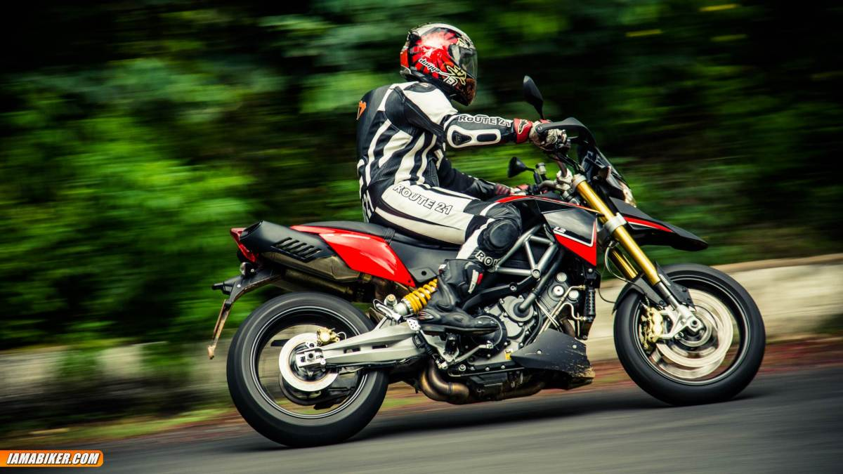 Aprilia Dorsoduro 1200 review - handling and braking