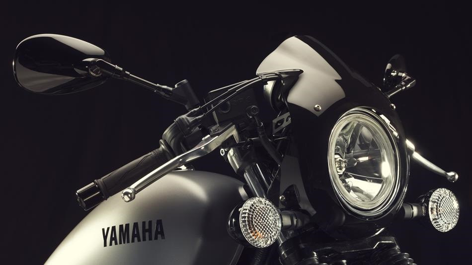 2015 Yamaha XV950 Racer Matt Grey headlight