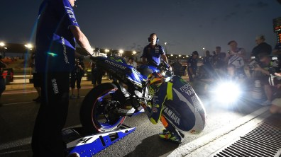 Valentino Rossi Movistar Yamaha MotoGP Qatar 2015 pre race ritual