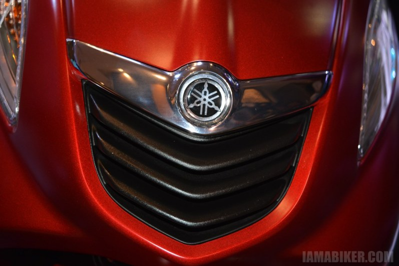 Yamaha Fascino front grill red
