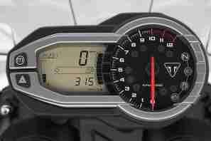 Triumph Tiger 800 XCA meters