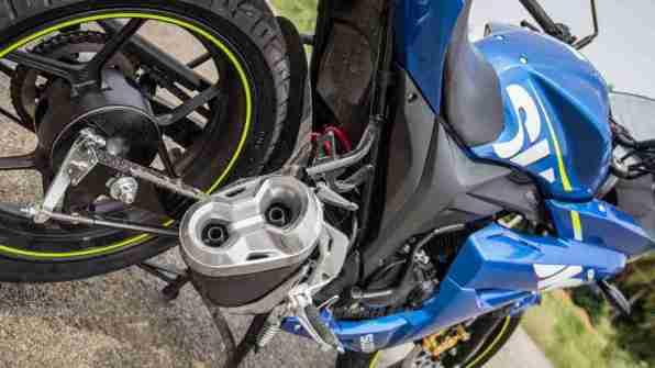 Suzuki Gixxer SF images - aluminium exhaust tip