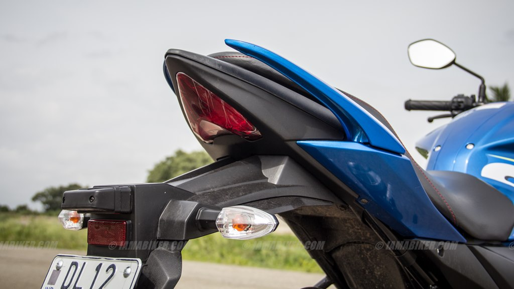Suzuki Gixxer SF images - tail section