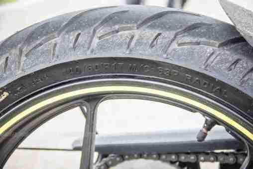 Suzuki Gixxer SF images - rear tyre size