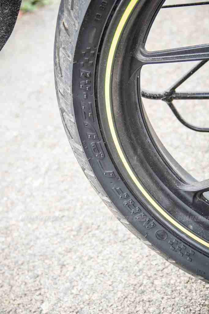 Suzuki Gixxer SF images - back tyre size