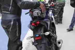 Yamaha YZF-R3 brake light on