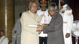 Dr. Brijmohan Lall receiving Padma Bhushan from late President Mr. APJ Abdul Kalam