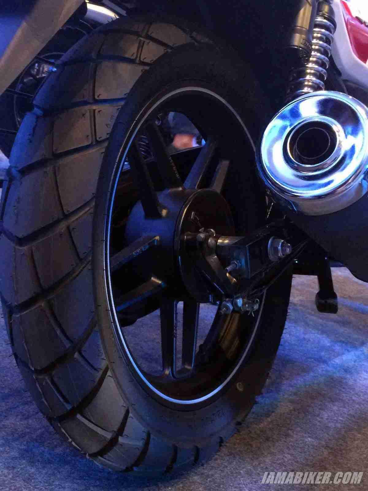 Bajaj V rear tyre