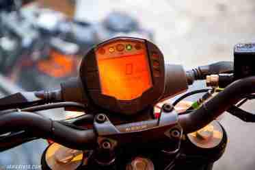 KTM Duke 250 instrument speedometer console