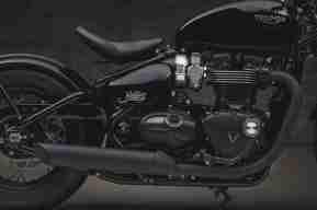 2018 Triumph Bonneville Bobber Black exhaust silencer