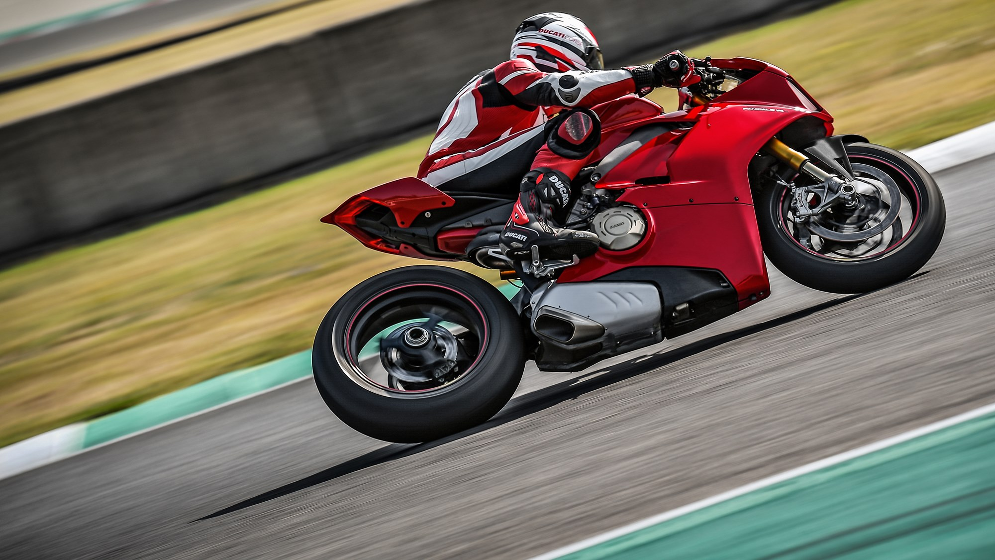 Ducati Panigale V4 images