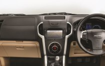 2018 ISUZU D-MAX V-Cross -Entertainment System with rear-view display