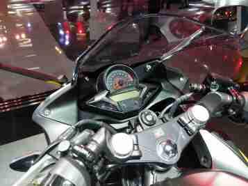 2018 Honda CBR 250R cockpit speedometer