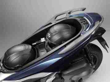 New Honda Forza 300 under seat storage