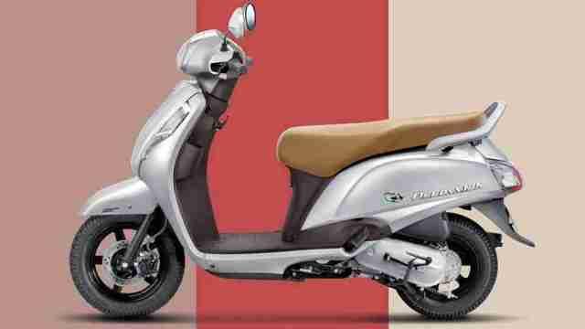 Suzuki Access 125 with CBS combi braking