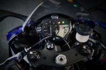 2020 Yamaha YZF-R6 cockpit instrument meter